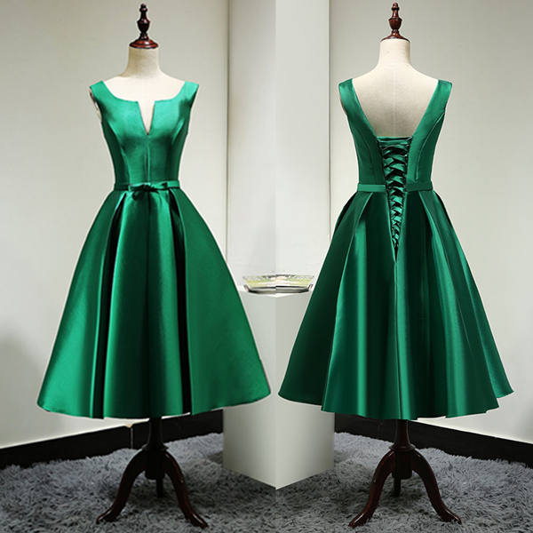 Custom Made Stylish Green A-line V-neck Knee Length Bridesmaid Dress Graduation Dress