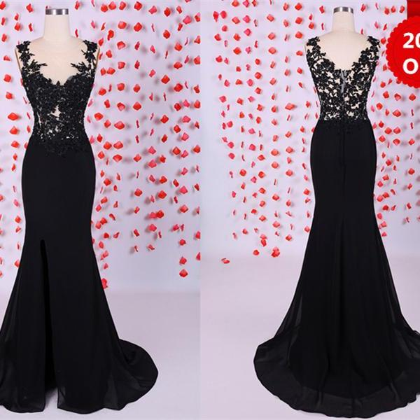 Charming Black Lace Mermaid/Trumpet Round Neckline Sweep Train Prom Dress