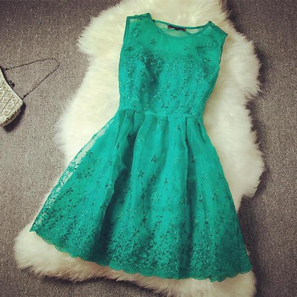 Elegant Green Embroidery Organza Sheath/Column Round Neckline Mini Dress Party Dress Bridesmaid Dress Graduation Dress